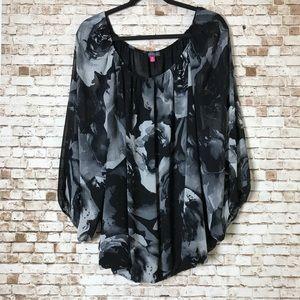 🆕 Vince Camuto Top Black Floral Size 3X